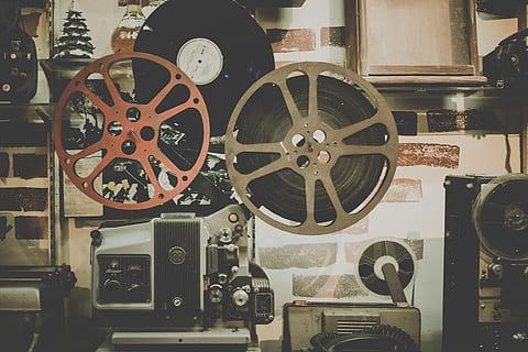 Филми-по-действителен-случай-за-писатели-с-чудат-живот-Самоиздател-платформа-за-създаване-на-книги